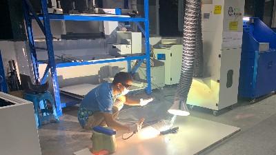 东莞执信环保科技,专注于生产节能环保的烟雾净化器!