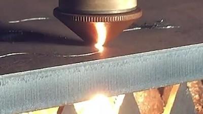 大型激光切割企业合作测试执信环保激光切割烟雾过滤器!